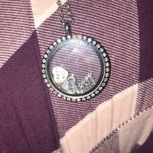 SOLD ! DO NOT BUY! Origami Owl Necklace